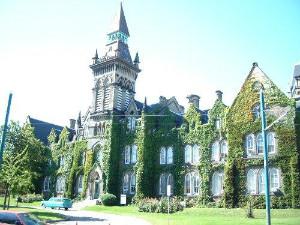 加拿大留学:签证官注重学生语言成绩 - - 出国留