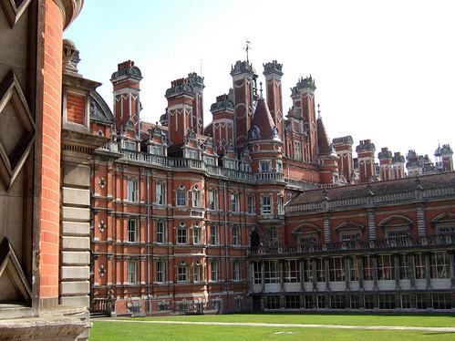 英国伦敦大学皇家霍洛威学院预科课程解析