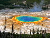 黄石国家公园大稜镜温泉:全球首个国家公园