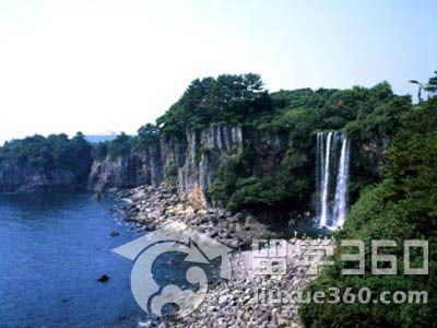 韩国济州岛旅游景点:天帝渊瀑布