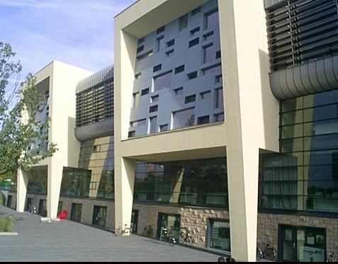 内梅亨大学