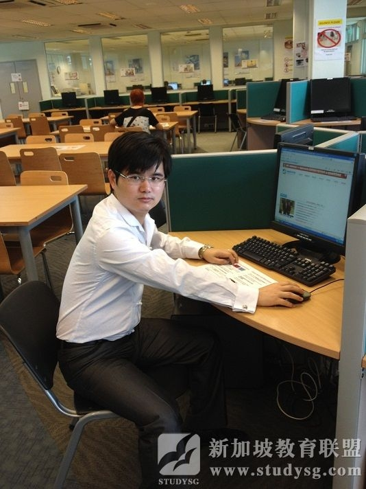 新加坡教育联盟创办人罗成考查新加坡PSB学院