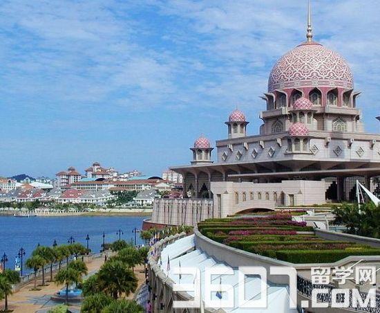 作为马来西亚多所学校的代表处,马来西亚教育联盟(http://www.schoolmy.com/)专家袁玉倩老师为学生及家长提供包括马来西亚大学申请、签证申请、留马生活帮助等各方面的信息资讯,成就了许多学子的留学梦想,赢得了马来西亚与中国教育界的一致好评。近日马来西亚教育联盟专家袁玉倩老师就学生与家长普遍关心的问题进行了悉心详尽的解答。   马来西亚的教育模式   马来西亚的高等学校一般可以分为,学院college、大学学院collegeuniversity、以及大学university。大学有资质