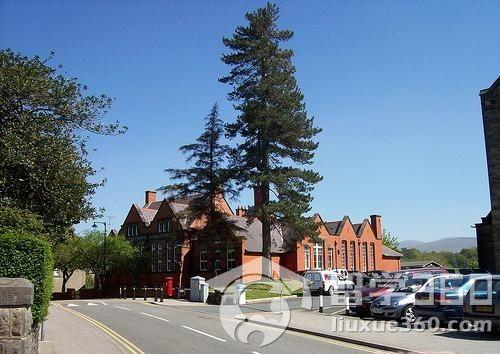 英国留学:班戈大学电子工程学院是英国最早的院系质疑