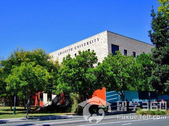 格里菲斯大学是澳大利亚联邦政府投资承建的一所高等学府。大学除传统的环境科学、亚洲研究等教学研究强项,大学的音乐课程、酒店管理课程和商科课程也被公认是澳大利亚首屈一指的。   土木工程工程学士(高级研究)   专业描述:   土木工程工程学士(高级研究)专业是一门4年制的全日制课程。一般地说,该专业的学生每周需要上20-25个小时的课程,整整一个学期是这样,而且课程可能开设在白天或傍晚。完成该专业课程的学生将有资格成为澳大利亚工程师学会(Engineers Australia)的成员。该专业的一些课程