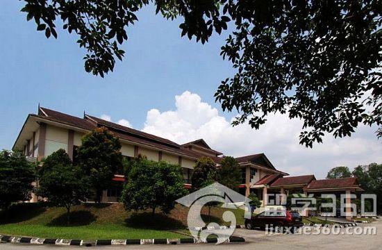 马来亚大学校徽