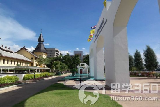 泰国国立法政大学学校特点