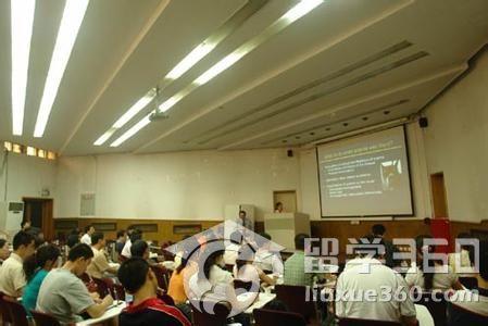 日本大学里的经营学科是什么专业??相当于国内的什么专业啊?-