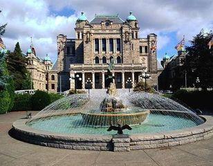 加拿大维多利亚大学的双录取