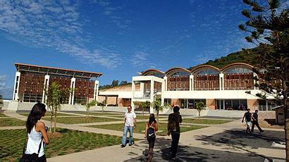 新喀里多尼亚学院入学条件