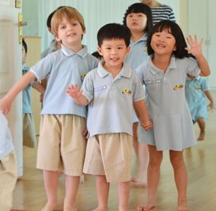 新加坡小学生留学方案留学-v方案新闻--详解3自信小学生卡图片