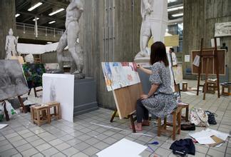 日本躶体行为艺术女图