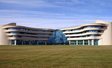 加拿大第一民族大学