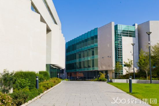 利物浦约翰摩尔斯大学