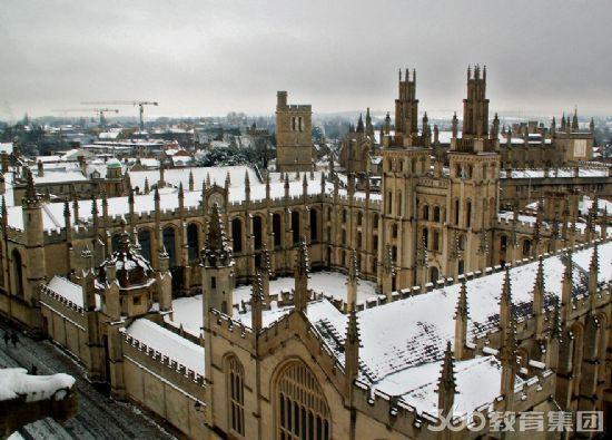 英国和世界很多的青年学子们都以进牛津大学深造作为理想.