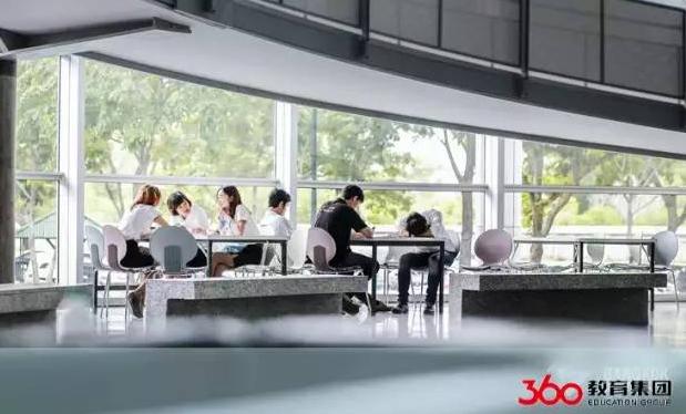 【泰国留学录取榜--第330例】曼谷大学餐厅管理专业怎么样?