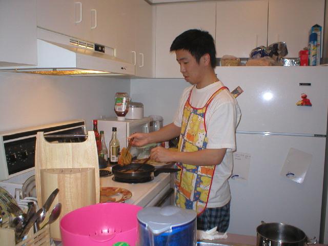 黄老师在加拿大留学期间apartment 的厨房