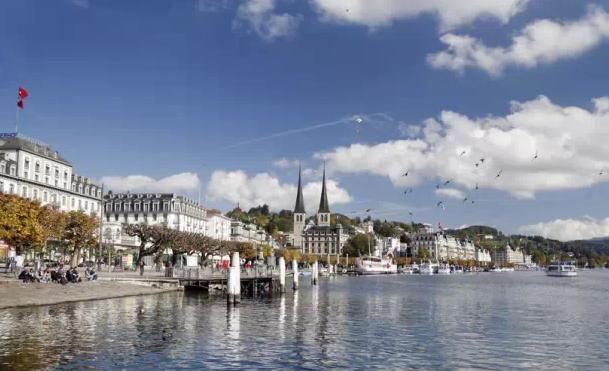 瑞士国际酒店管理学院校园生活