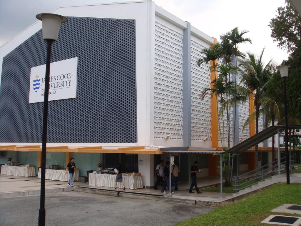 新加坡詹姆斯库克大学学费