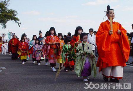 据留学360了解,目前一般留学日本主要分为语言学校和研究生申请两种,而每种又对日语有一定的要求才可办理,先为大家简单介绍一下: