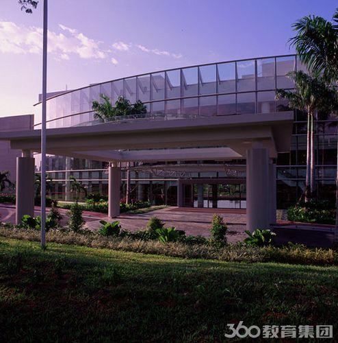 新加坡国立大学本科学制