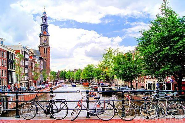 王国第二大城市,欧洲第一大港口城市鹿特丹,是享誉世界的著名公立大学