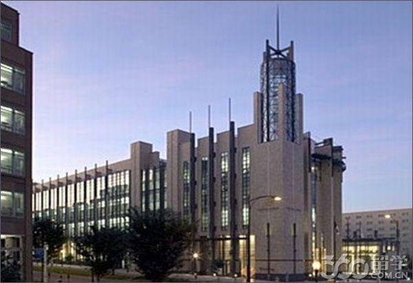 主校区--罗德岛校区,位于美国经济最发达的东北部地区罗德岛州首府