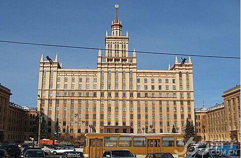 中国书画家向俄罗斯乌拉尔国立大学图书馆捐赠书画