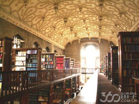 英国布里斯托大学入学要求