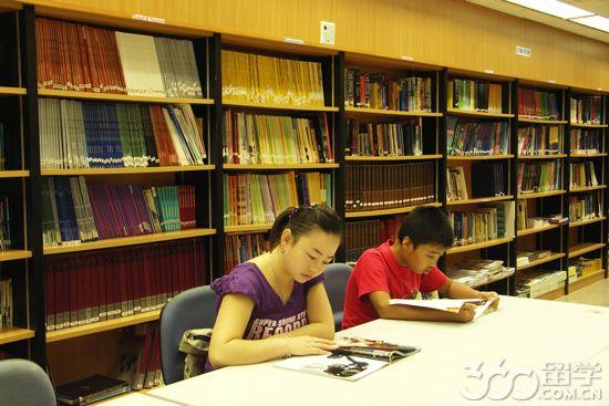 新加坡博伟教育学院学杂费