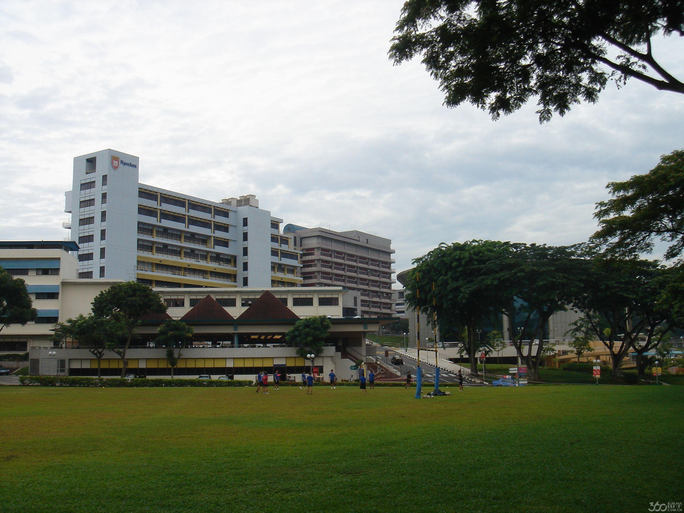 新加坡义安理工学院学校特色