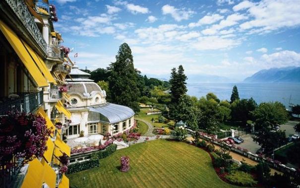 瑞士留学:解析热门专业及其就业前景