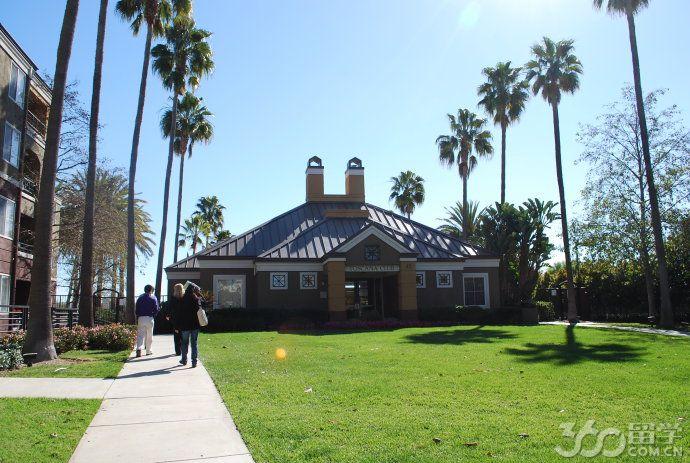 加州大学欧文分校学术信息