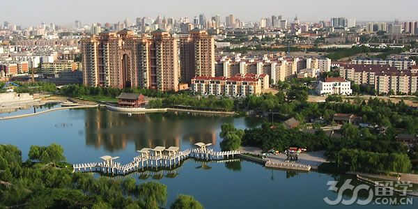 华容的桃花山风景区由省级森林公园和水上公园