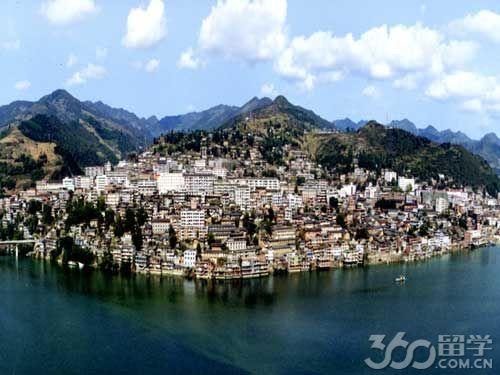 紫阳县位于陕西省南部,地处汉江上游,大巴山北麓,隶属陕西省安康图片
