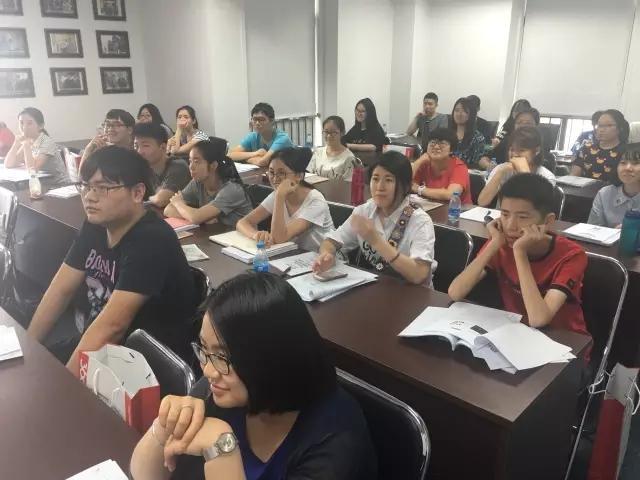免中介费留学马来西亚理工大学机会来了!送价值万元暑期雅思课程