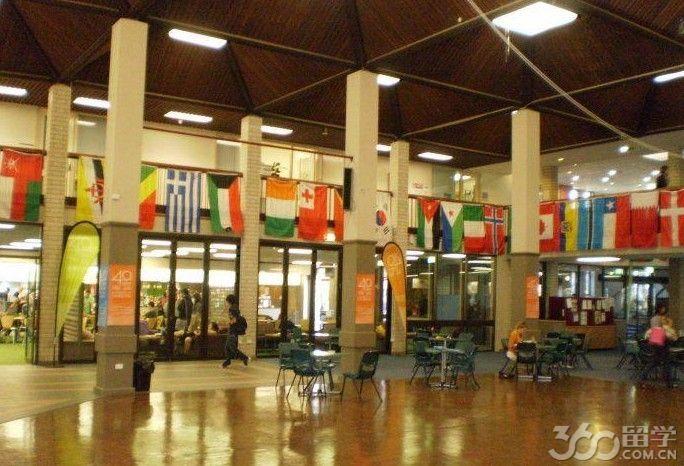 堪培拉大学商学院中国留学生多吗