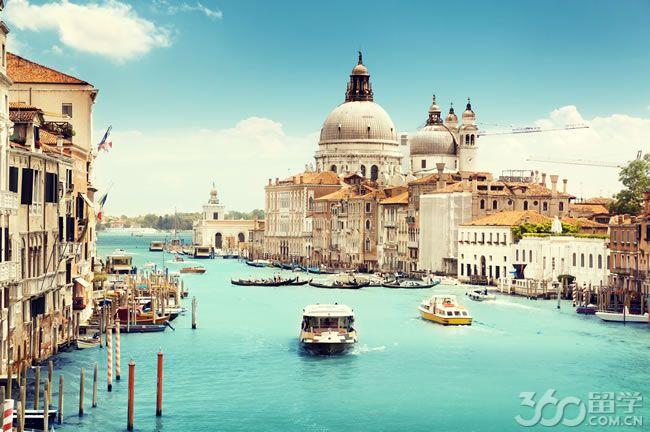 意大利的大学拥有着悠久文化历史-博洛尼亚大学拥有1000多年的历史.