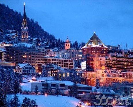 瑞士有很多贵族学校,但只有一个萝实学院