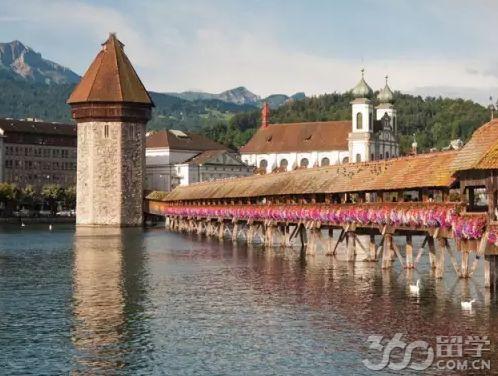 立思辰留学360介绍,瑞士的安全举世闻名,许多世界名流政要、王室都选择瑞士作为孩子的成才培养之地。其寄宿中学相对保守、安全细致、丰富多样,且瑞士的寄宿学校国际化程度是最高的,国际学生比例占88%以上,任何一个国家的学生比例都不超过10%。