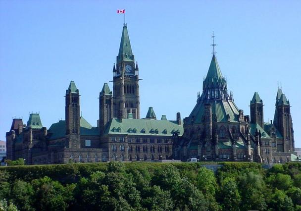 去加拿大留学要多少钱
