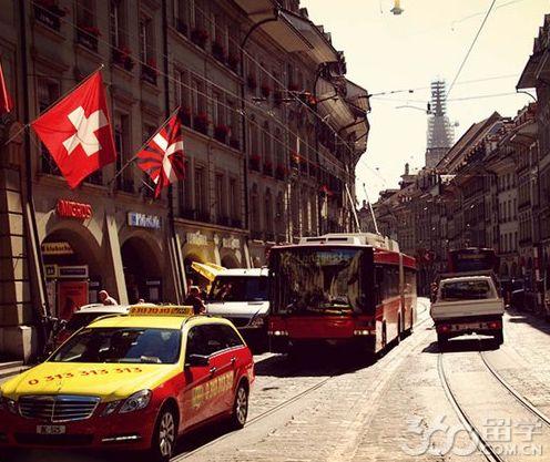 瑞士的火车是与飞机场连接在一起的