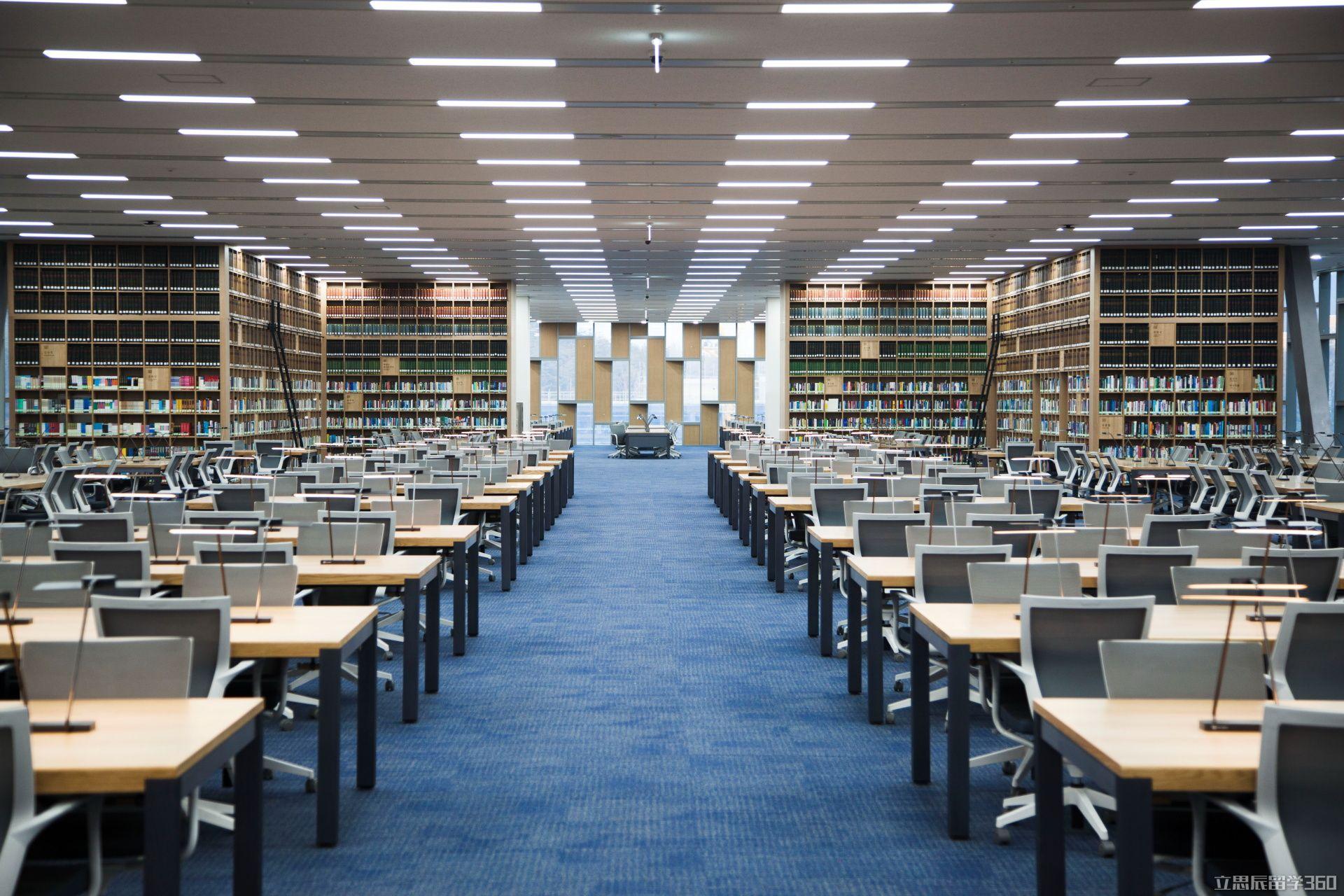 据立思辰留学360介绍,首尔大学(Seoul National University)又称首尔国立大学,原名汉城大学,建立于1946年8月22日,位于韩国首尔市,是韩国成立最早的国立综合性大学。以集中培养精英人才为宗旨的首尔大学创校以来培养出一大批高端人才,充实着韩国政治经济社会的各个领域,如现任联合国秘书长潘基文及多位韩国总统均出身于首尔大学。