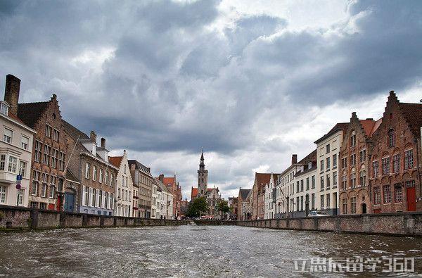 2017年比利时留学减轻经济负担
