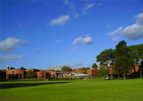 科廷大学马来西亚分校与伯乐大学哪个好