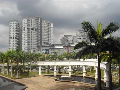 马来西亚世纪大学生活花费多少