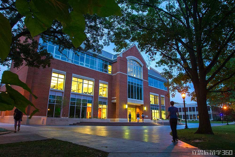 2017年伊利诺伊卫斯理大学留学怎么样