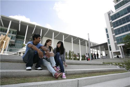 马来西亚吉隆坡建设大学生活费多少