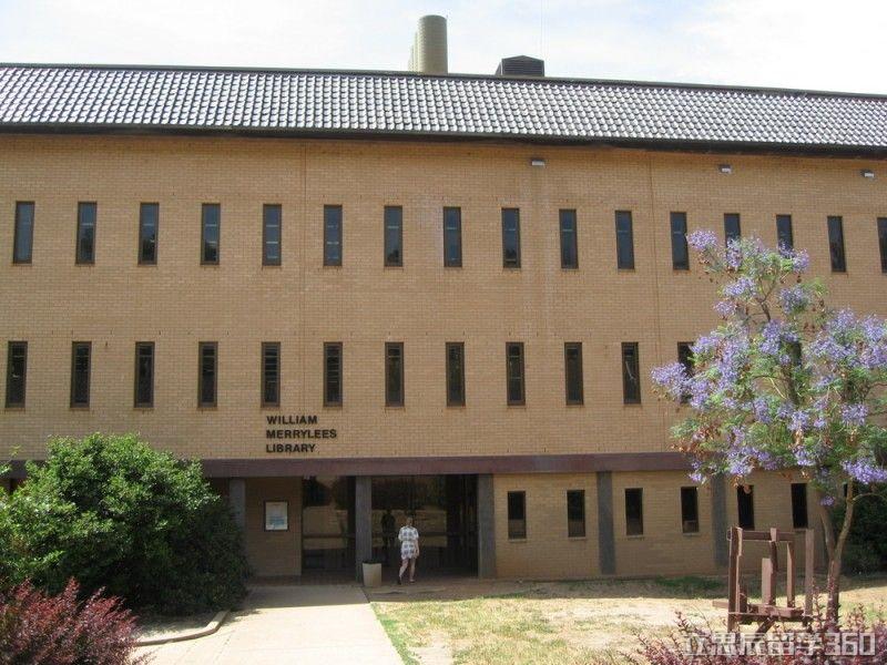 查尔斯特大学瓦格瓦格