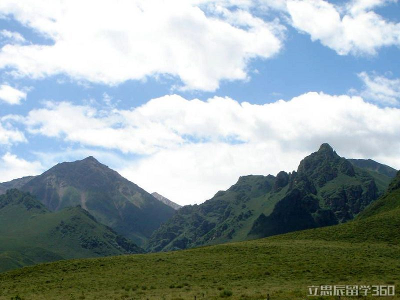 海北藏族自治州位于青海省境东北部,北与甘肃省毗邻.